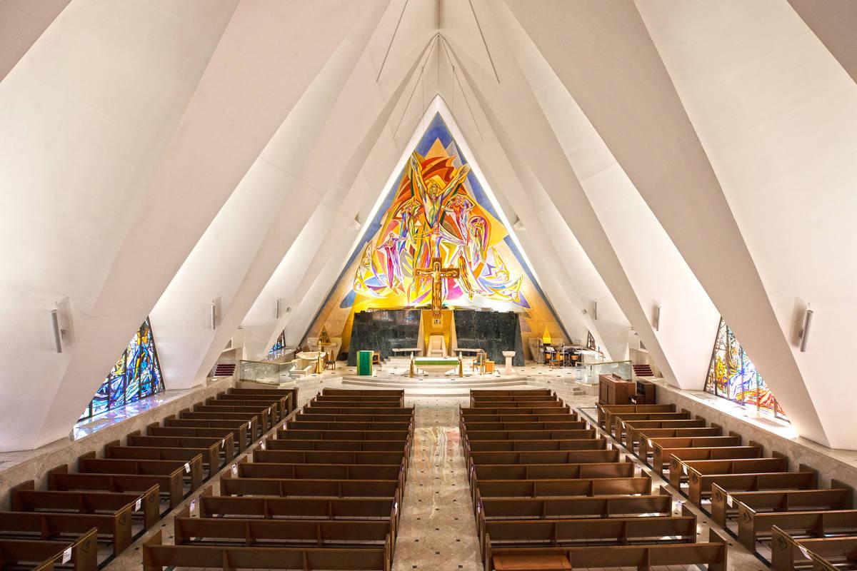 Guardian Angel Cathedral, diseñada por el arquitecto Paul Revere William, viernes, 5 de febrer ...