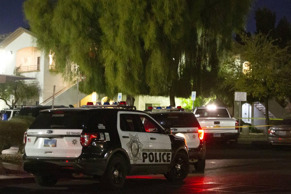 La Policía Metropolitana investiga un homicidio en 5650 E. Sahara Ave. el miércoles, 24 de fe ...