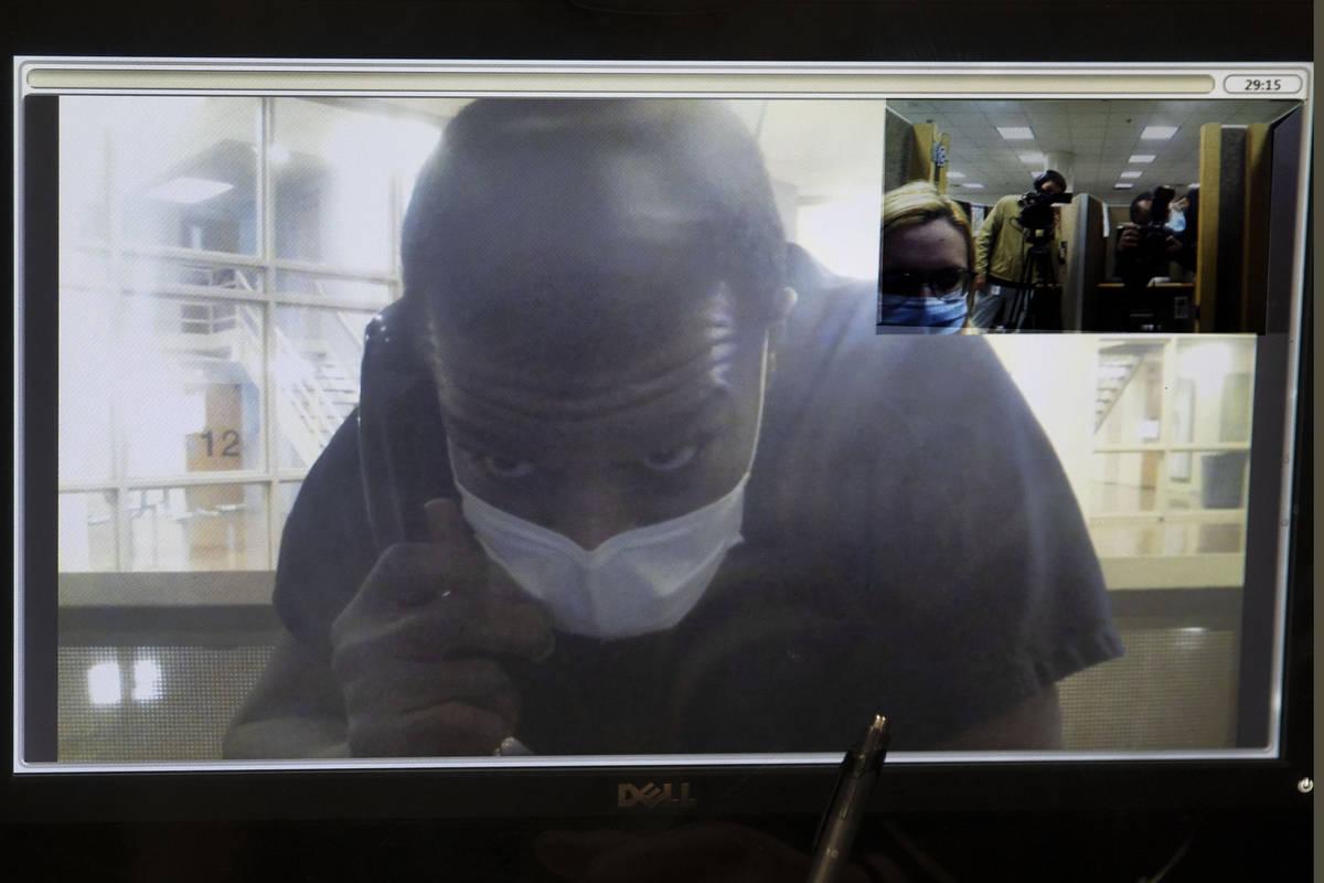 Willis Davis, que confesó tres homicidios de adolescentes en 1996 y fue acusado la semana pasa ...