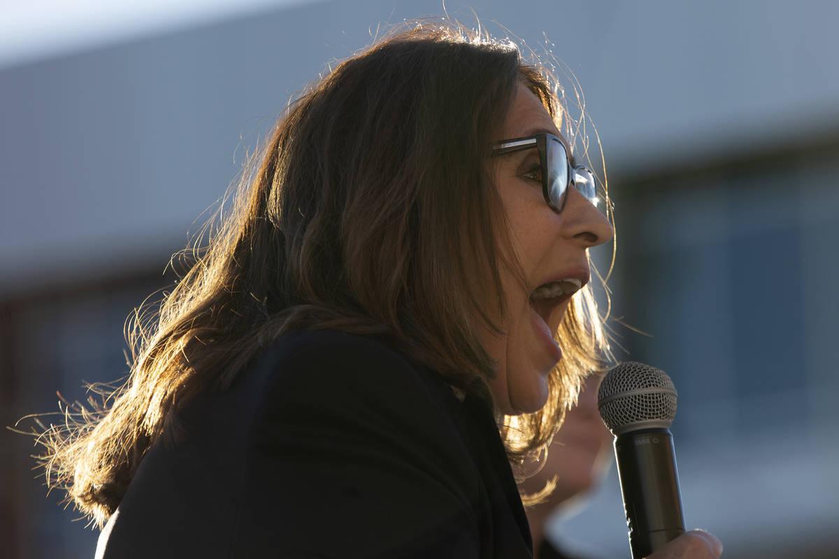 La concejala de Las Vegas, Victoria Seaman, se muestra entusiasmada con el retorno a las clases ...