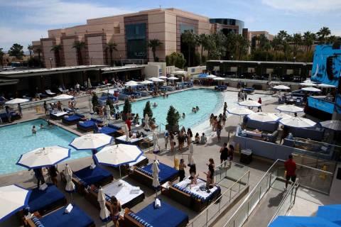 En esta foto de archivo, Wet Republic en MGM Grand en Las Vegas el viernes 6 de marzo de 2020. ...