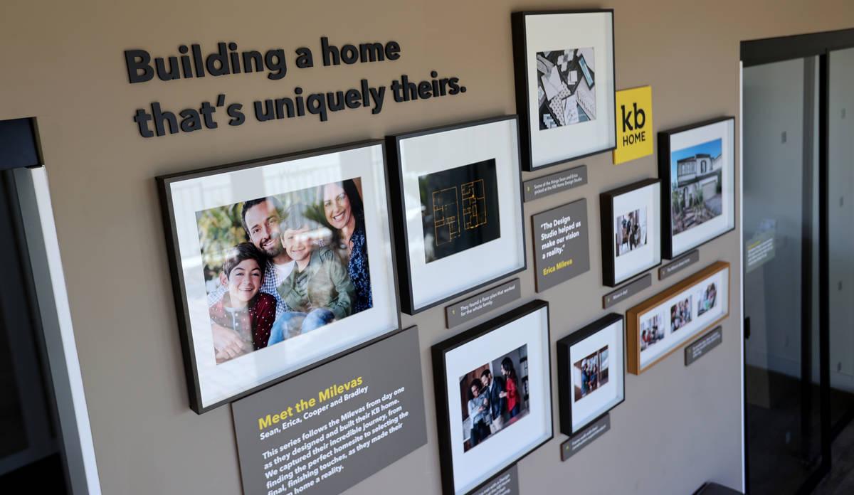 El centro de ventas de la casa modelo en la comunidad KB Home de Stonegate en Las Vegas el juev ...