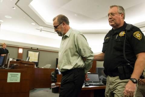 El ex abogado Robert Graham, acusado de robar más de 16 millones de dólares a sus clientes, d ...