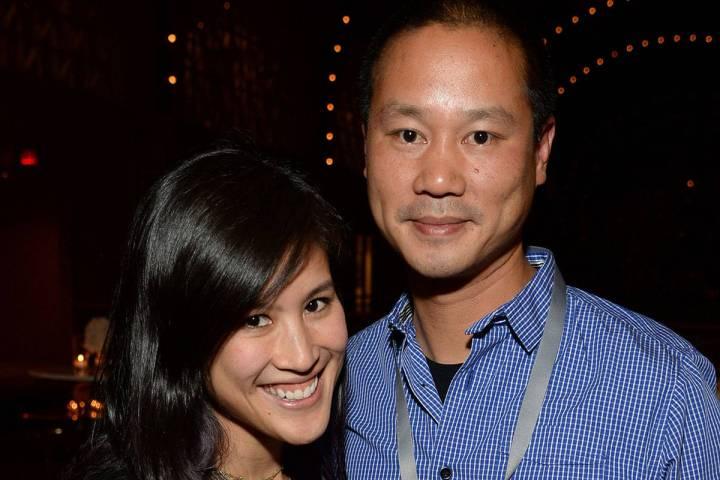 Mimi Pham y Tony Hsieh (Foto por Michael Kovac/Getty Images for Vanity Fair).