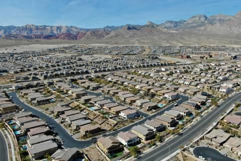 Vista aérea de las urbanizaciones cercanas a Paseos Park en Summerlin el martes, 23 de febrero ...