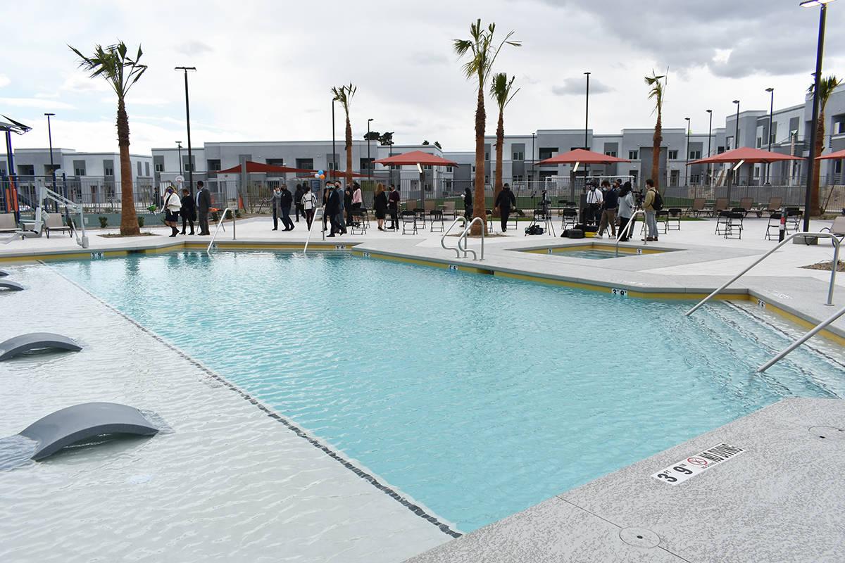 Showboat Park Apartmets ofrece una oportunidad de viviendas nuevas y modernas para los resident ...
