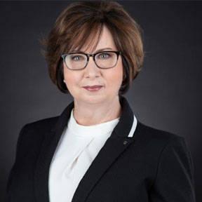La directora ejecutiva de la Citizen Review Board, Julie Kraig, no respondió a las solicitudes ...