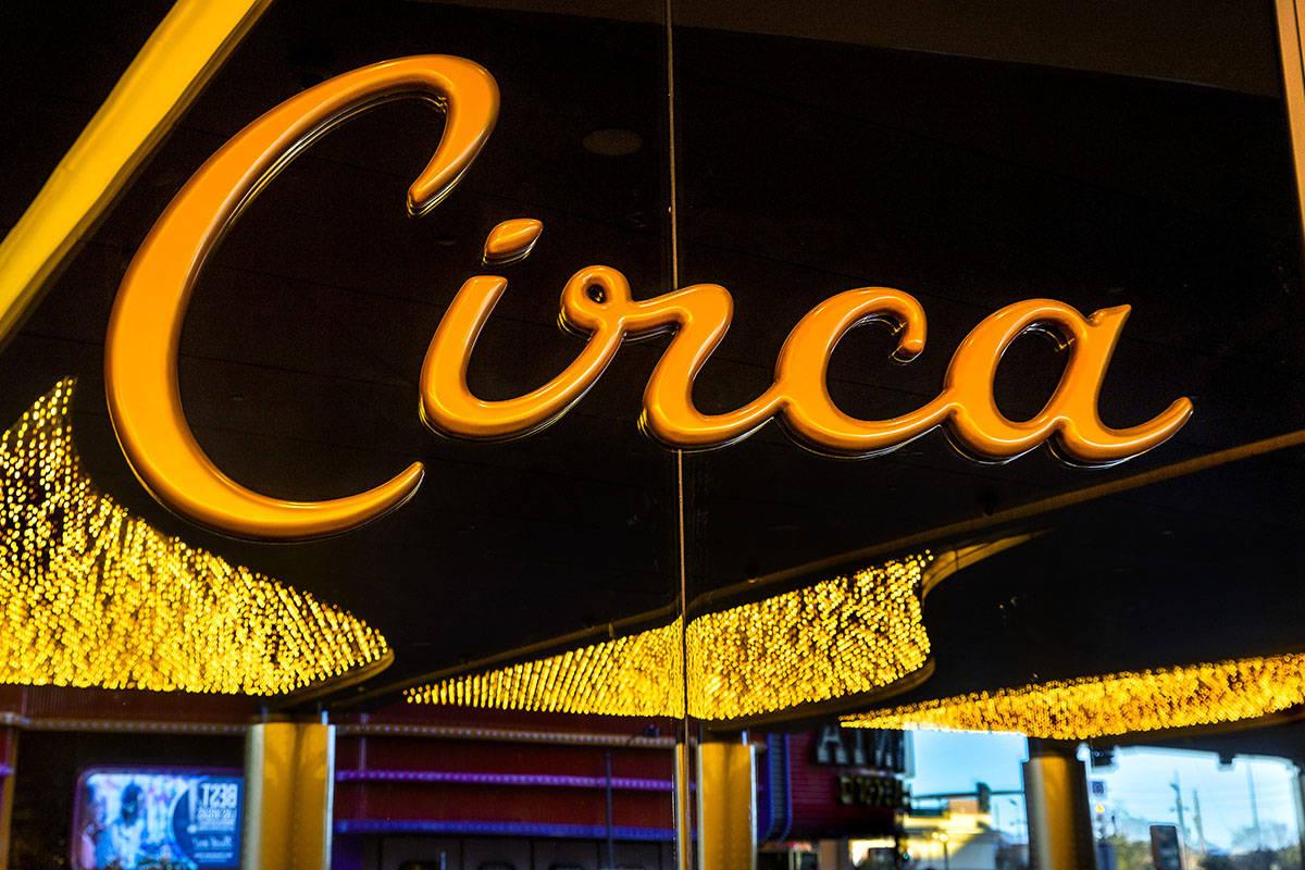 La nueva entrada de Circa iluminada y lista para los visitantes el viernes, 18 de diciembre de ...