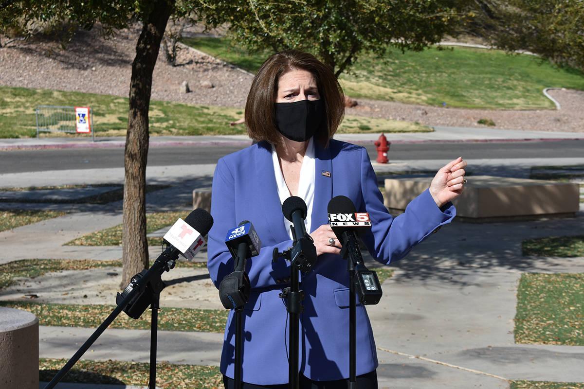 La senadora Catherine Cortez Masto habló sobre el Plan de Rescate Estadounidense impulsado en ...