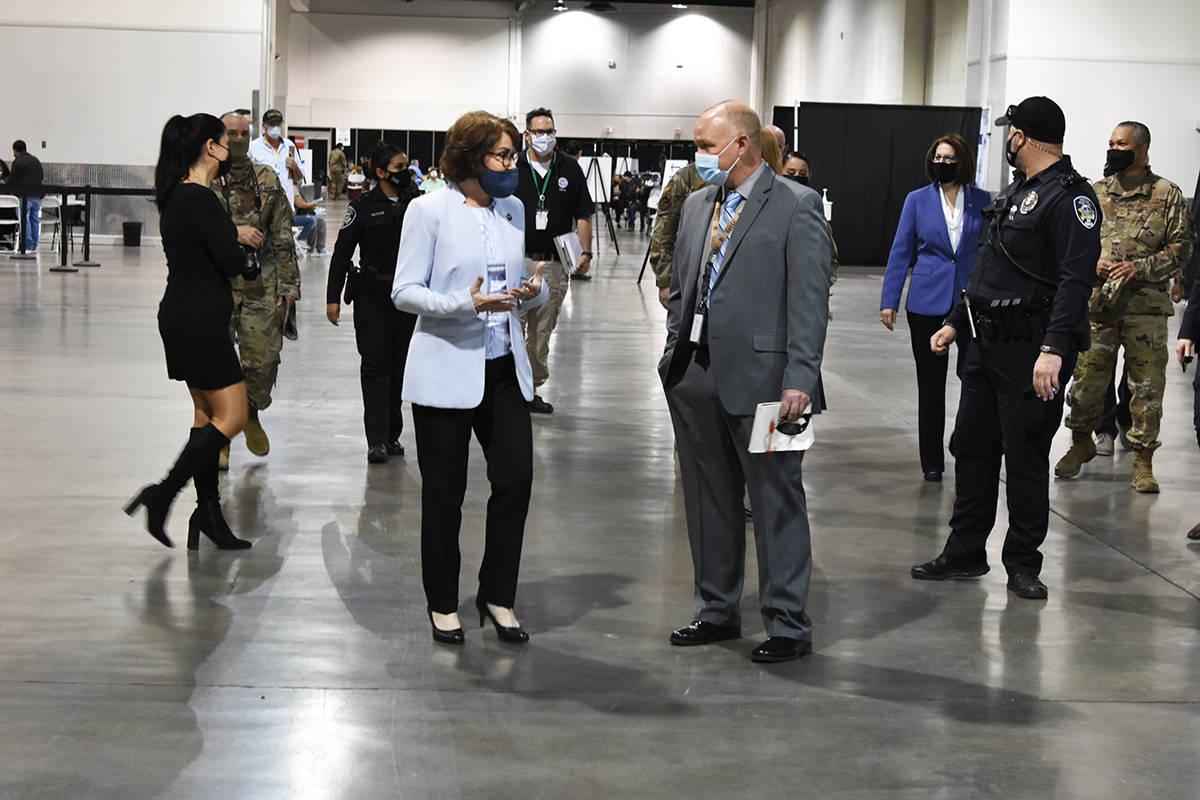 Las senadoras Catherine Cortez Masto y Jacky Rosen agradecieron el esfuerzo de los miembros de ...