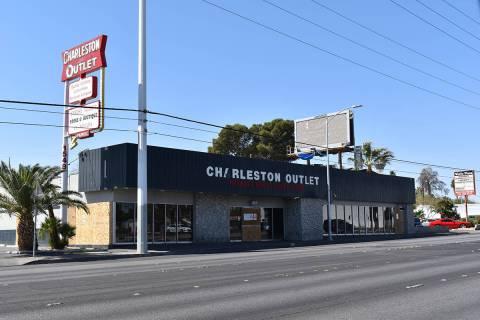 """Charleston Outlet se promocionaba como """"la mejor tienda de segunda mano"""" de Nevada, muchos ..."""