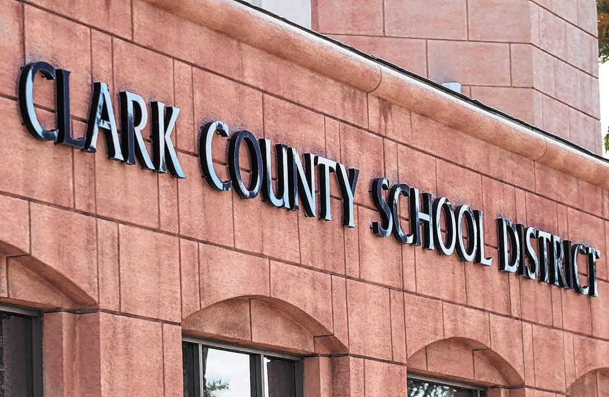 Edificio de administración del Distrito Escolar del Condado Clark. [Foto Las Vegas Review-Jour ...