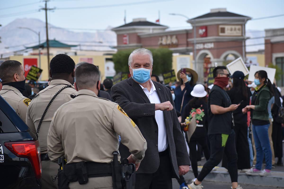 """El gobernador Steve Sisolak, fue orador principal en un evento denominado """"Stop Asian Hate"""" ..."""