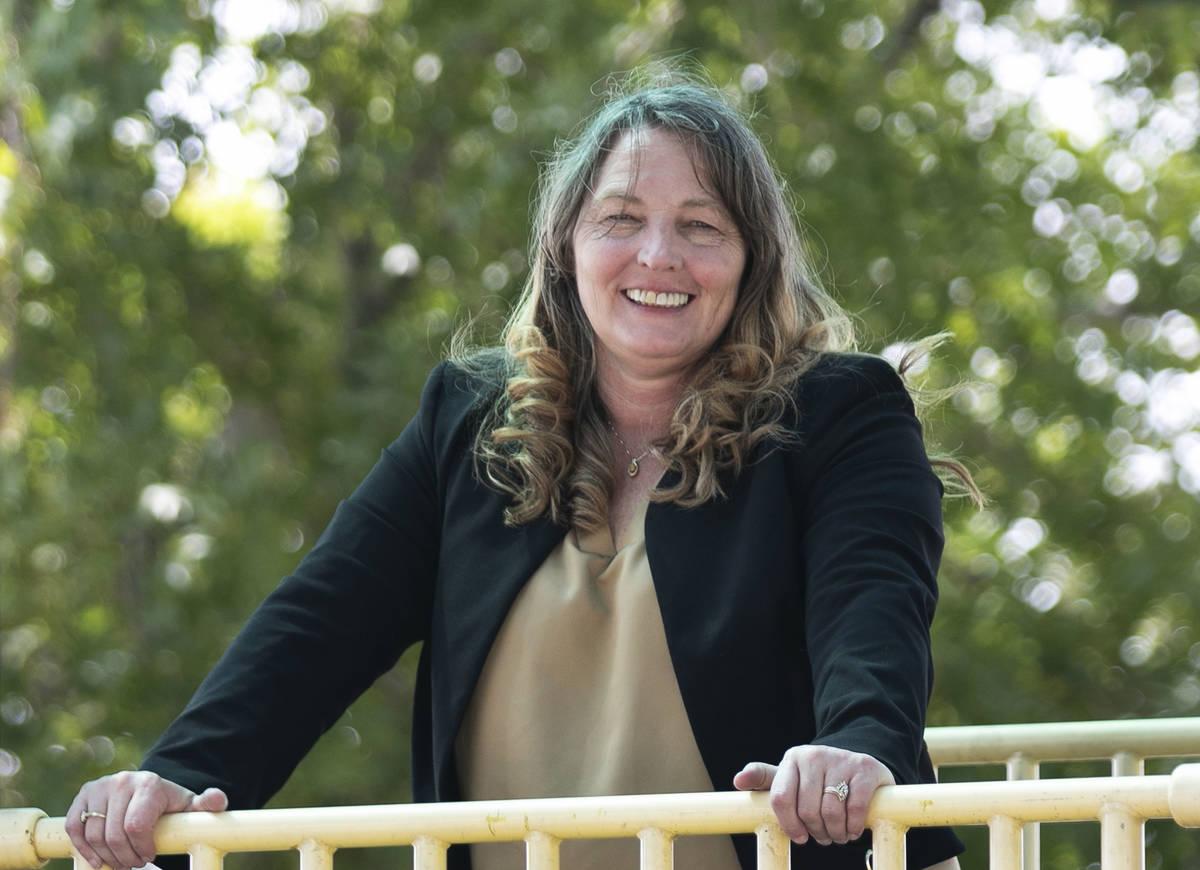 La presidenta de la Comisión del Condado Clark, Marilyn Kirkpatrick, posa para una foto en el ...