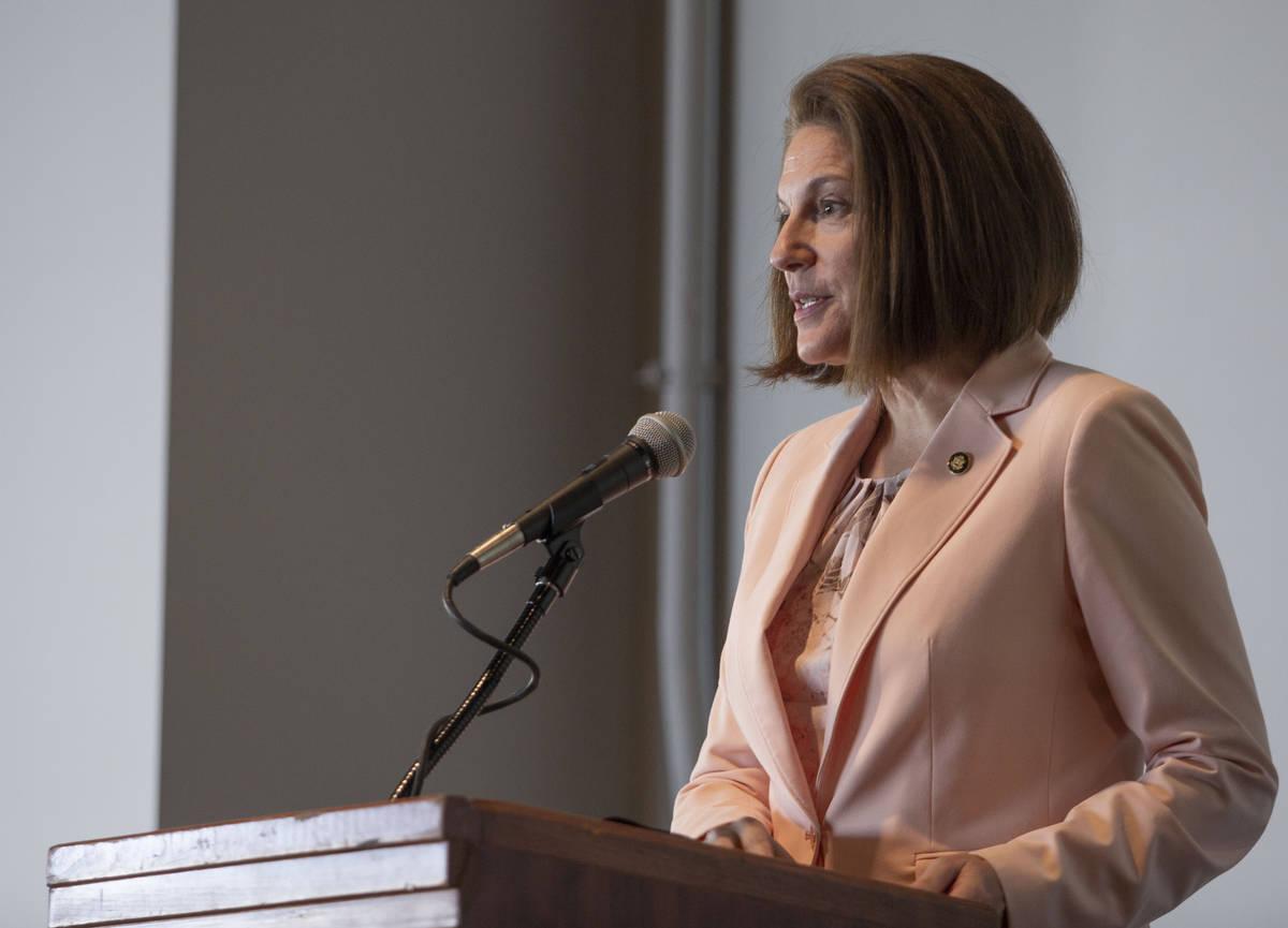 La senadora estadounidense Catherine Cortez Masto, demócrata por Nevada, habla de sus esperanz ...