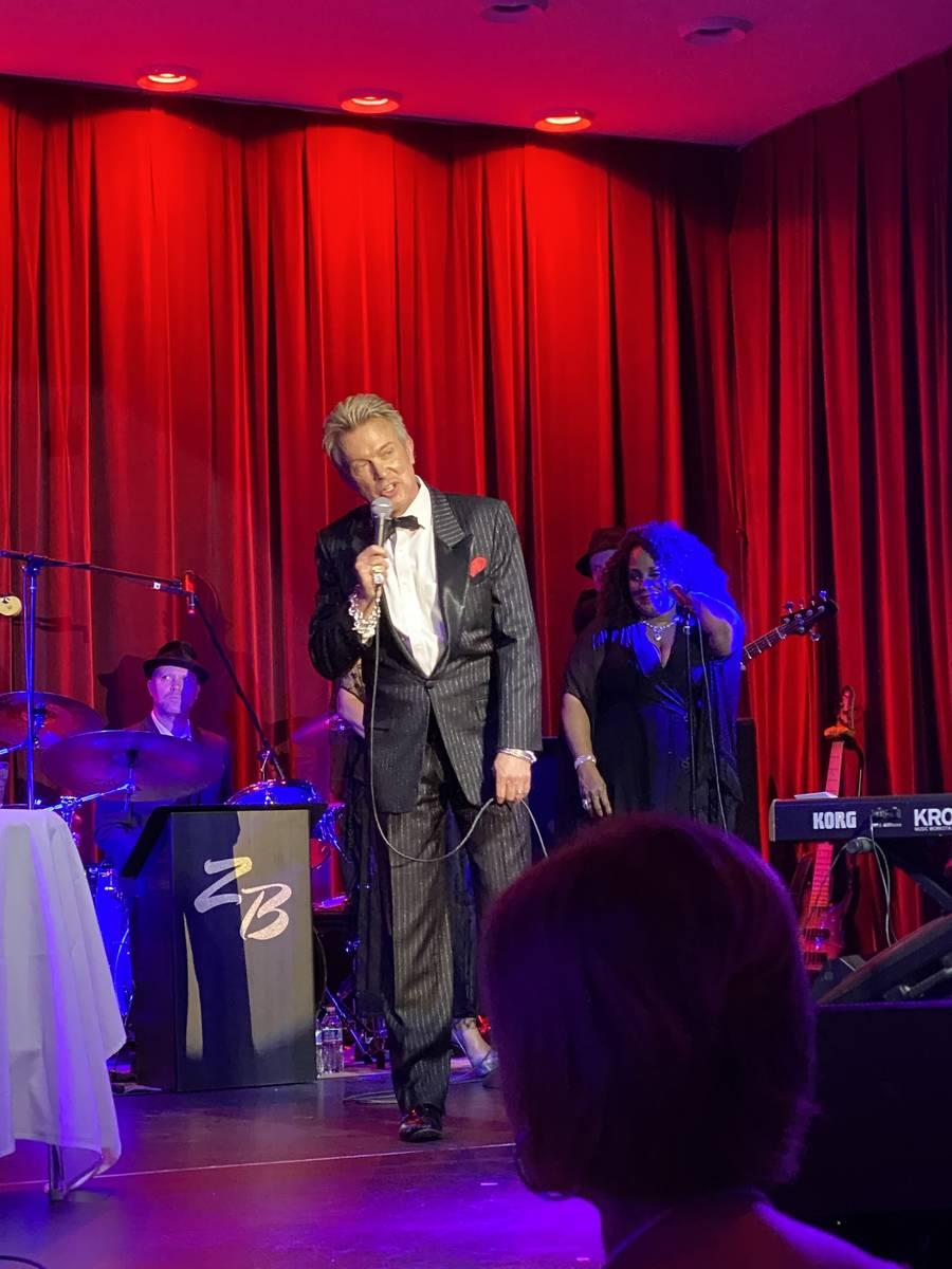 Chris Phillips, de Zowie Bowie, se encarga del espectáculo en el Italian American Club el juev ...