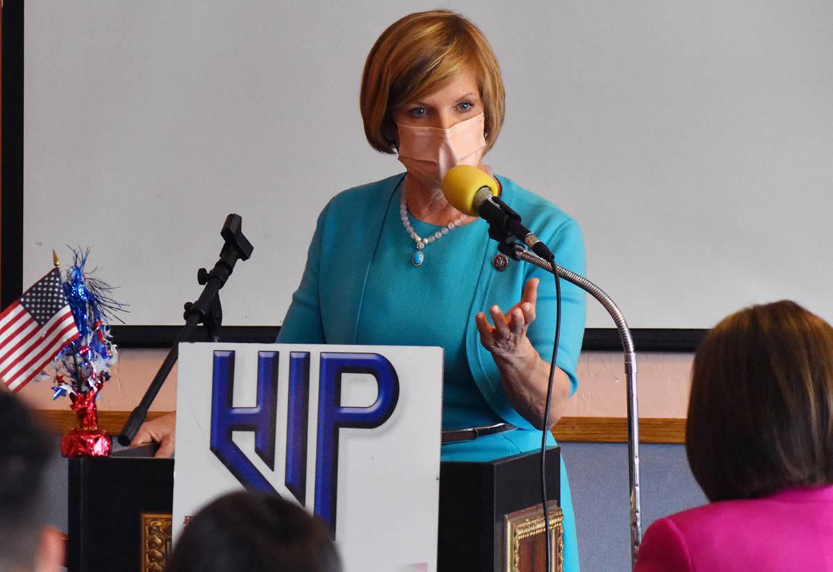 La representante de los Estados Unidos, Susie Lee (NV-03) explicó cómo el Plan de Rescate Est ...