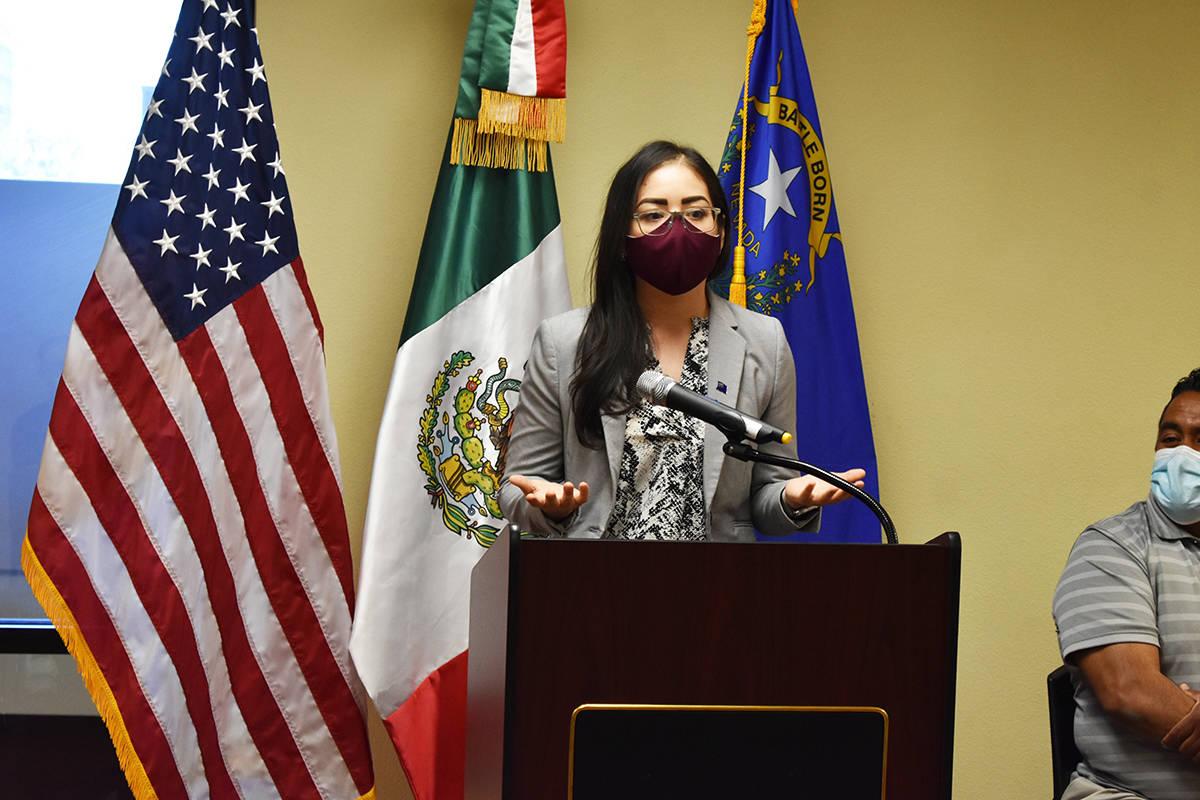 Jóvenes locales recibieron fondos para sus trámites de DACA. Apoyo otorgado por la Comunidad ...
