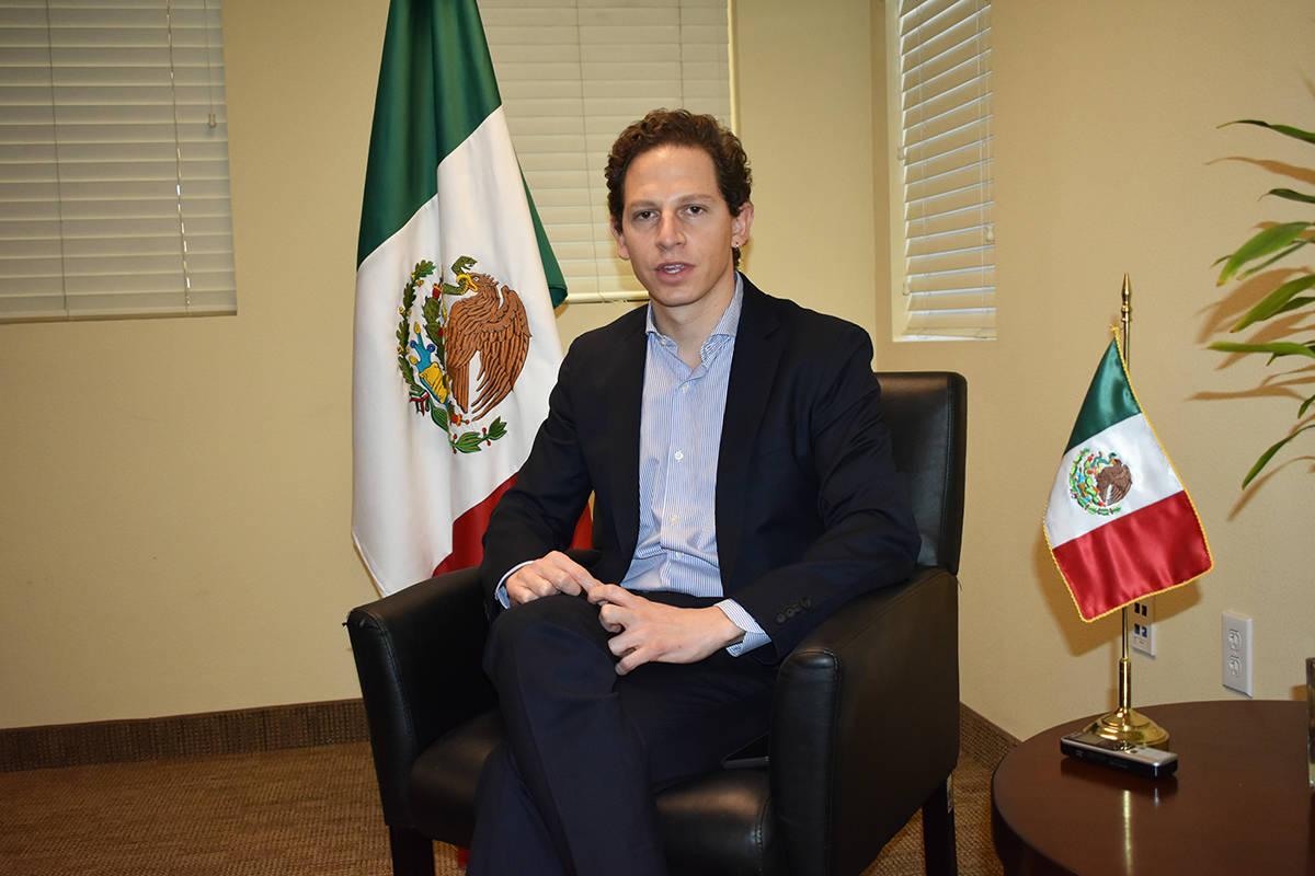 El director general de Servicios Consulares de la SRE, Jaime Vázquez Bracho, conversó en excl ...