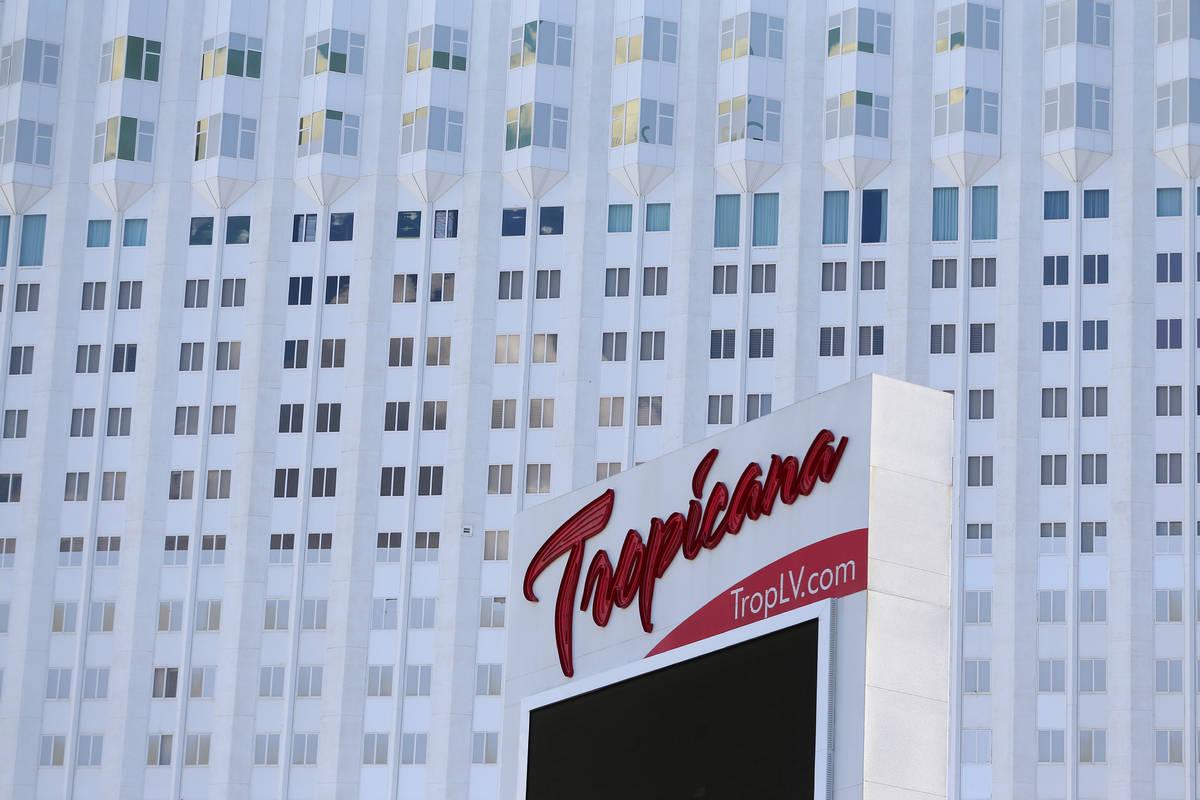 El hotel-casino Tropicana en Las Vegas el lunes, 27 de julio de 2020. (Erik Verduzco / Las Vega ...