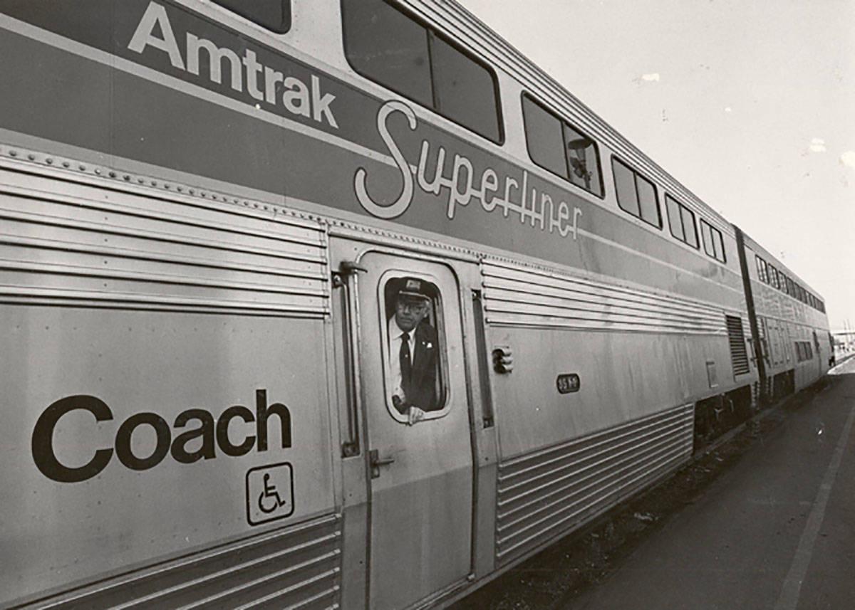 Un Amtrak Superliner se detiene en Las Vegas el 14 de enero de 1981. (Las Vegas Review-Journal ...