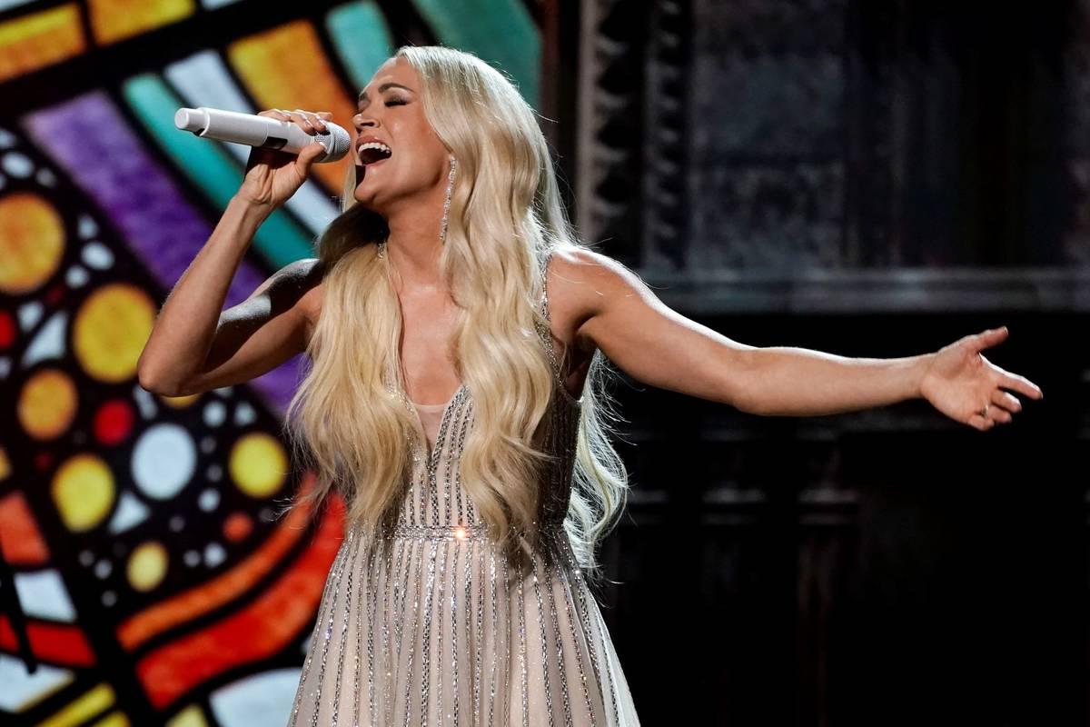 Carrie Underwood se presenta en la 56ª edición de los Academy of Country Music Awards el sáb ...