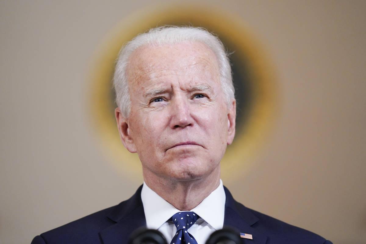 El presidente Joe Biden habla el martes 20 de abril de 2021 en la Casa Blanca en Washington, de ...