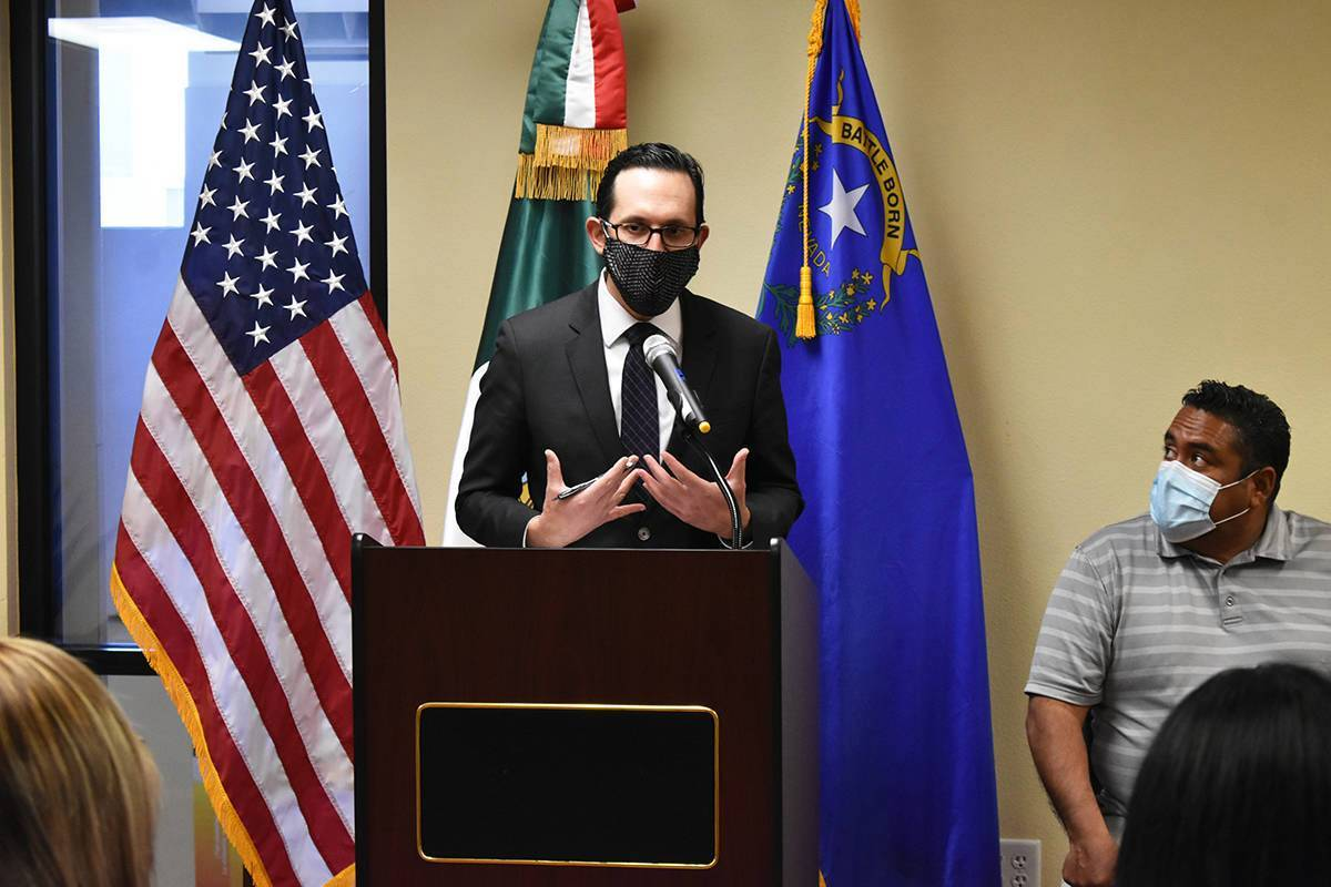 Cónsul Julián Escutia durante un evento dedicado a beneficiarios de DACA. Sábado 10 de abril ...