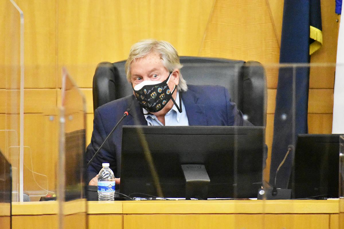 """El comisionado por el Distrito E del Condado Clark, Tick Segerblom, habla durante el evento """" ..."""
