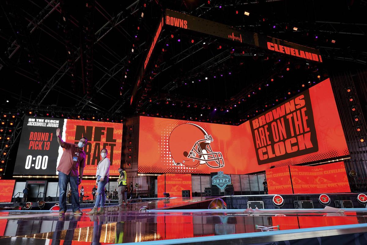 Cleveland se prepara para presentar el draft de la NFL de esta semana. (AP Photo/Steve Luciano)