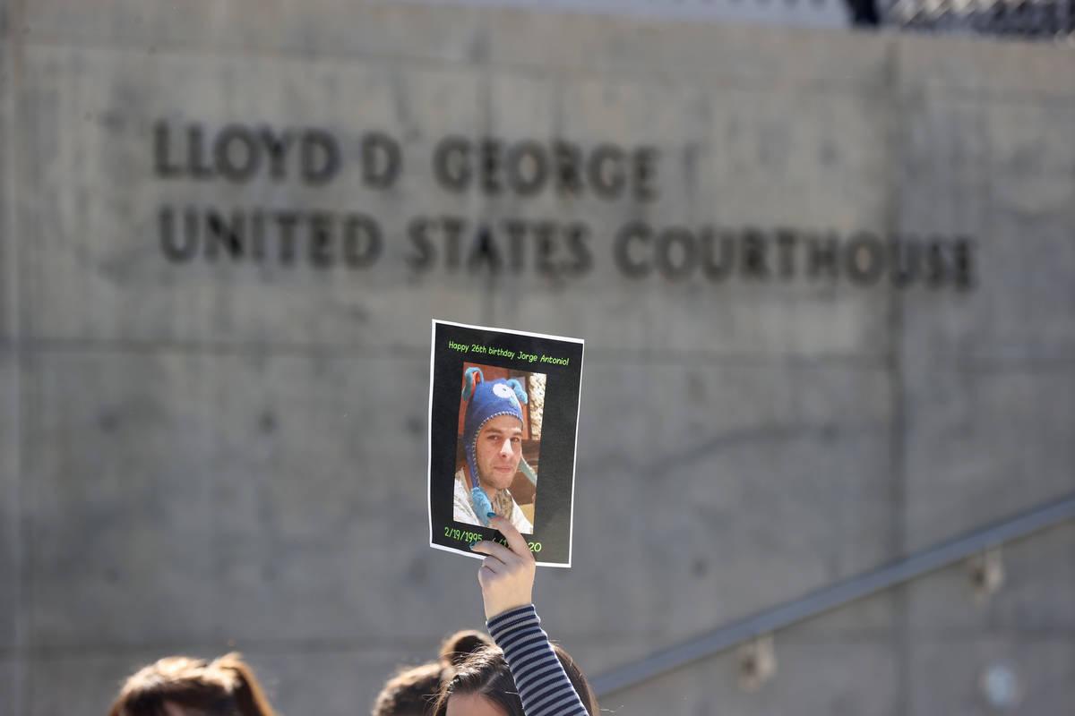 Una foto de Jorge Gómez, un manifestante de Black Lives Matter que fue disparado y asesinado p ...