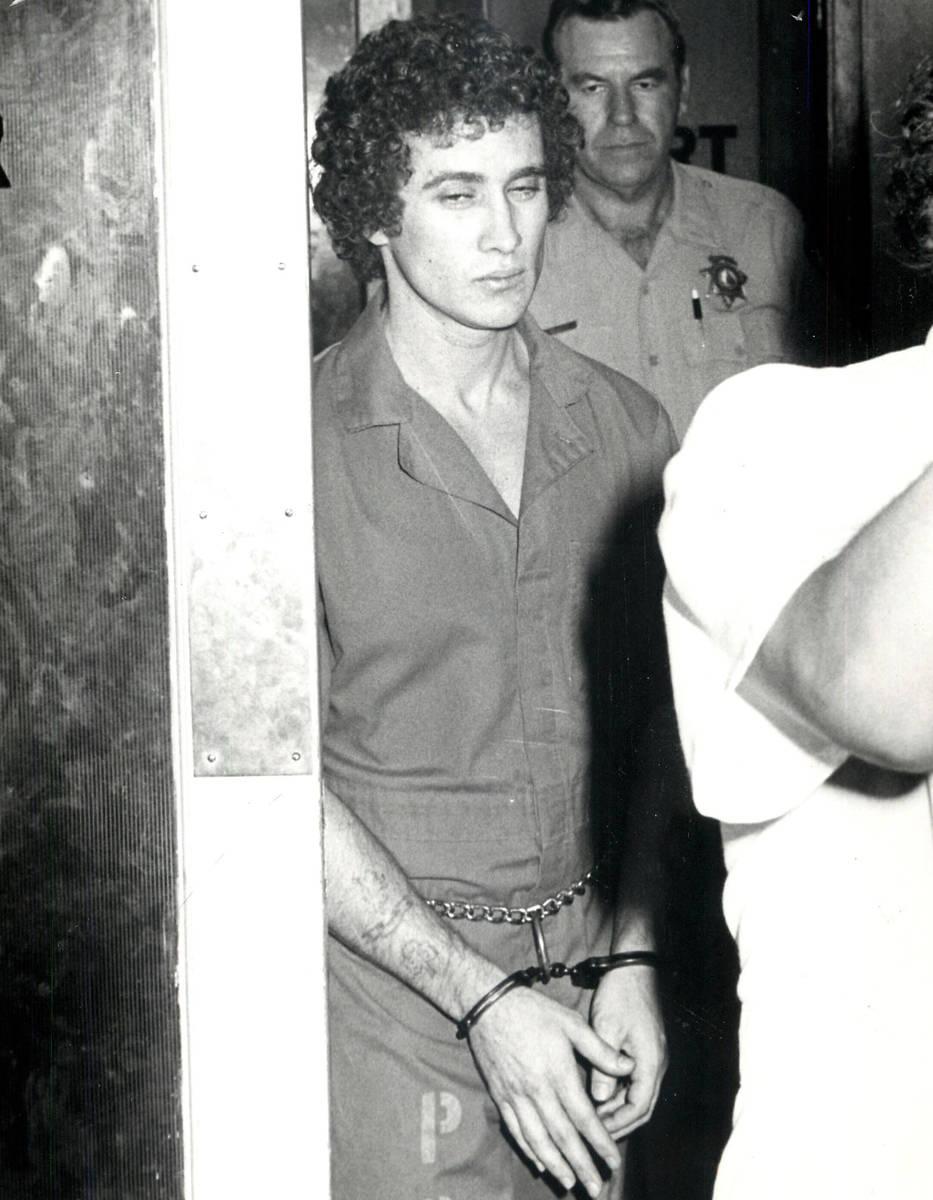 Esta foto de archivo de 1979 muestra a Patrick McKenna, conocido como el preso más peligroso d ...