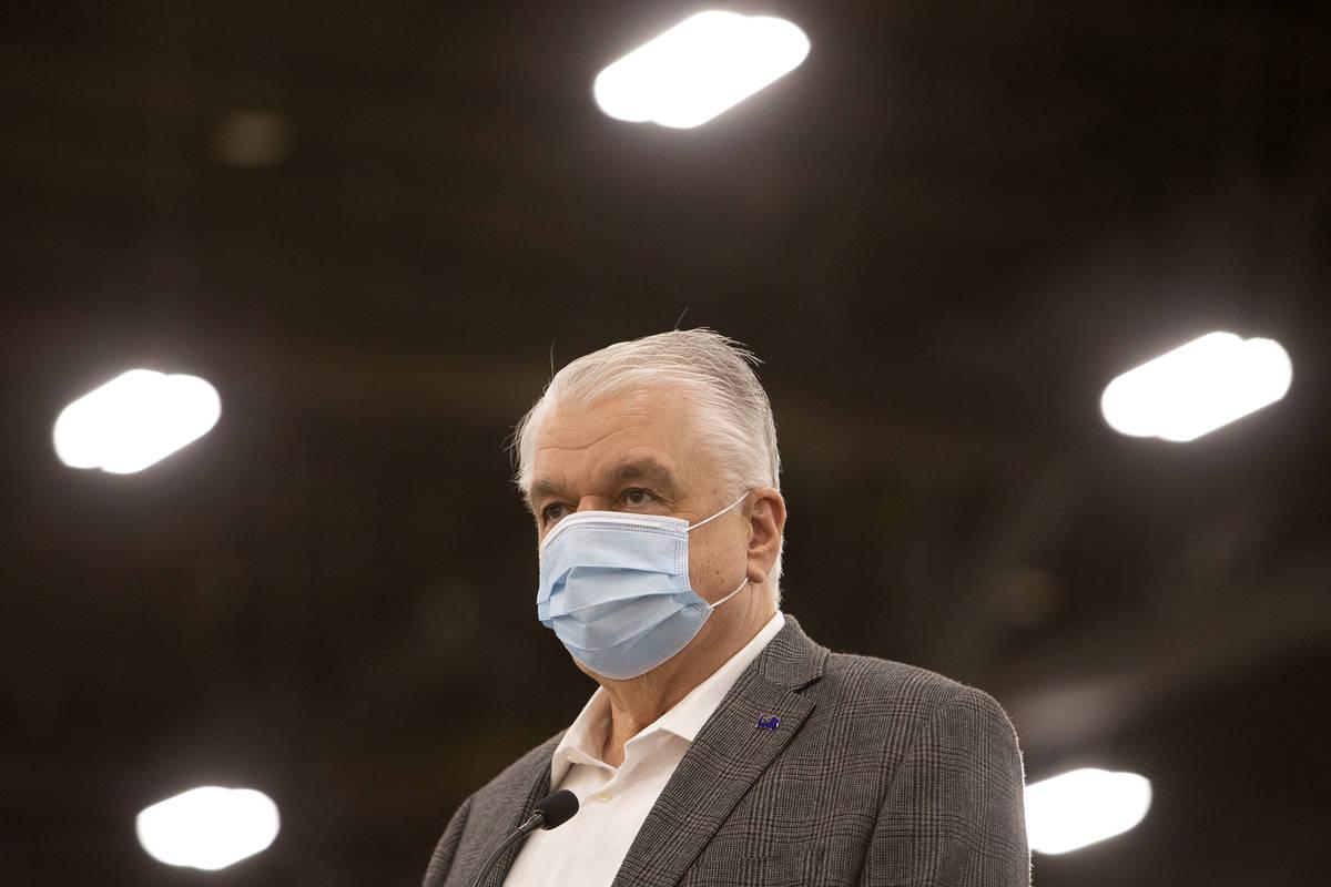 El gobernador Steve Sisolak ofrece una actualización a la prensa sobre los esfuerzos de vacuna ...