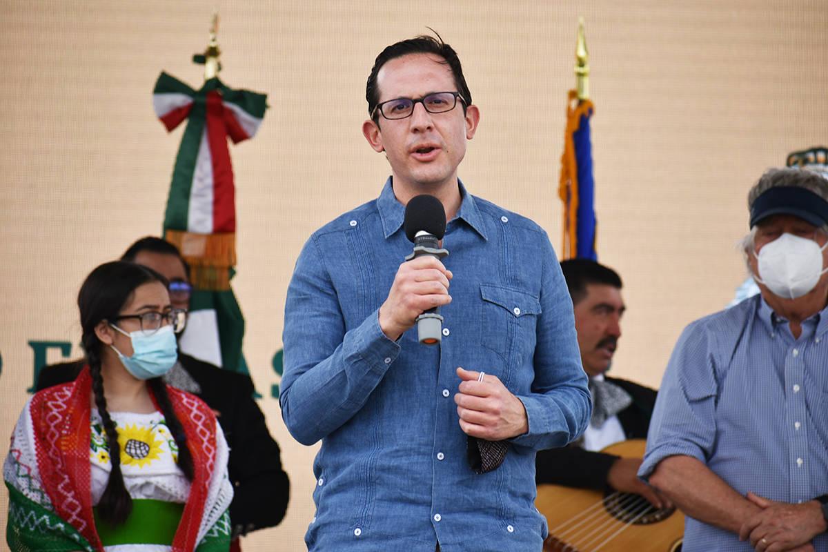 El cónsul Julián Escutía agradeció a los migrantes mexicanos que mantienen vivas sus tradic ...