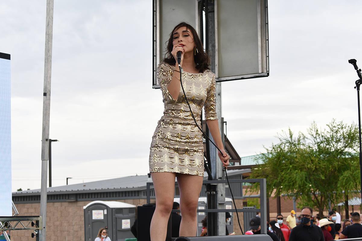 La cantante Bridget González nuevamente deleitó al público de Las Vegas con distintas cancio ...