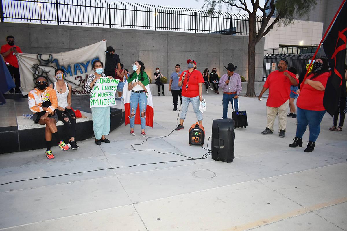 """Decenas de personas se unieron a la marcha del """"Primero de Mayo"""" para impulsar los derechos ..."""