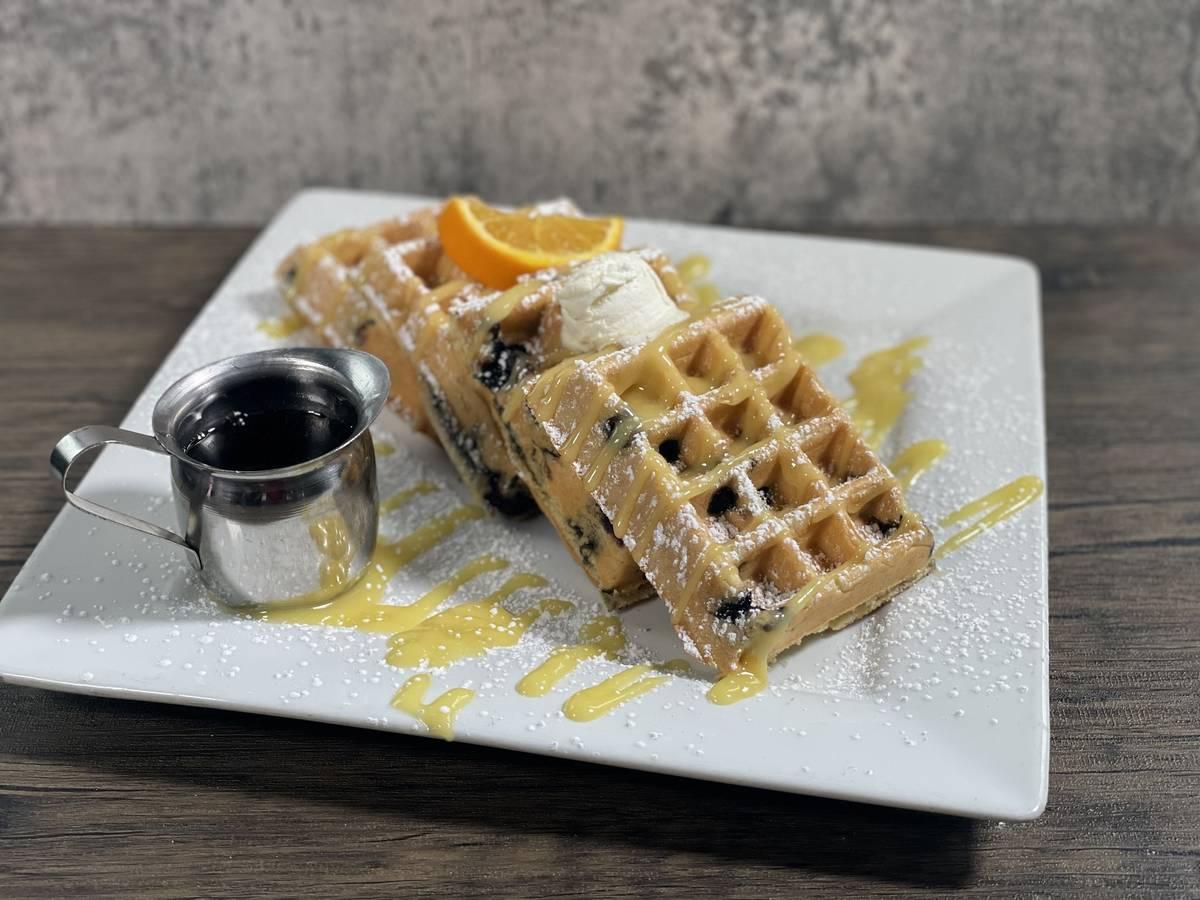 Blueberry waffle en Hash House A Go Go. (Hash House A Go Go)