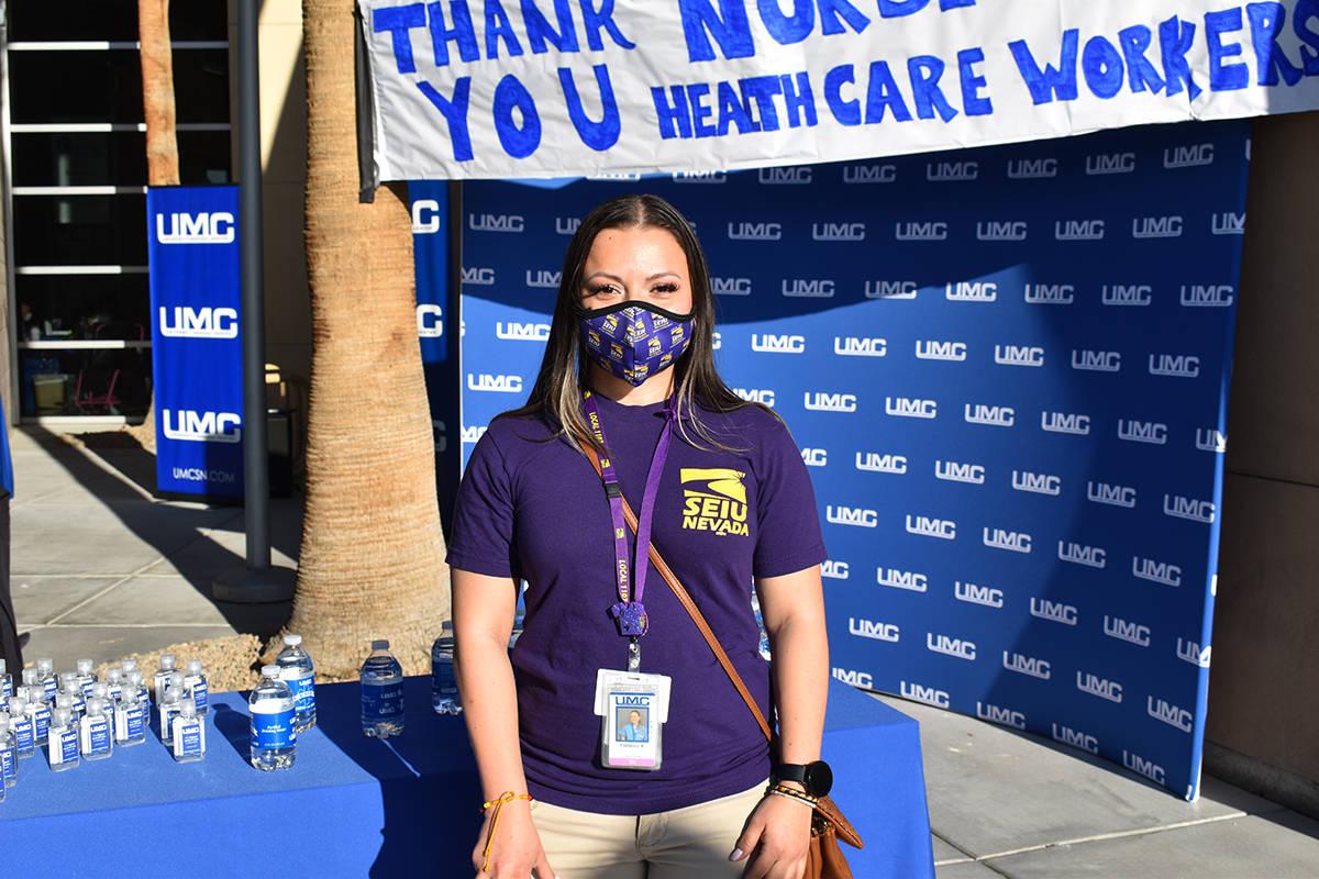 La primera dama, Jill Tracy Jacobs Biden saludó y agradeció al personal médico por el Día N ...