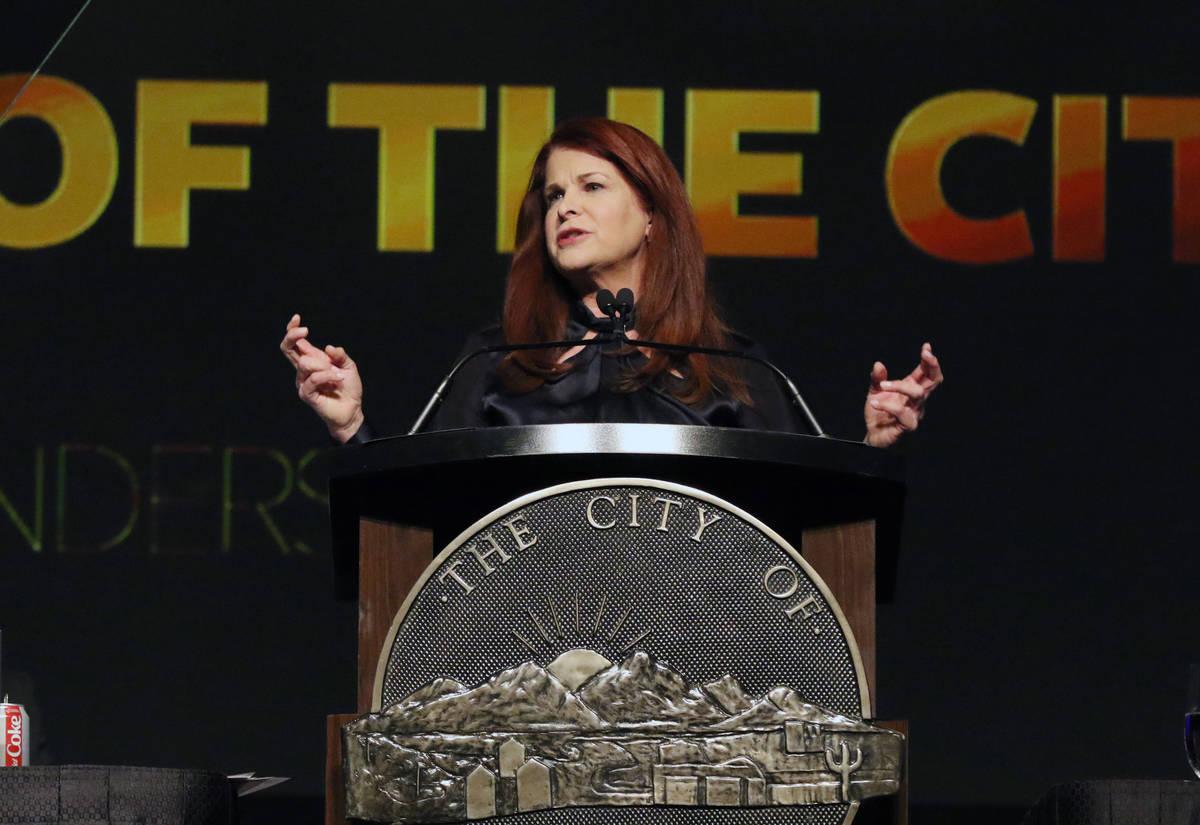 La alcaldesa de Henderson, Debra March, da su discurso anual sobre el estado de la ciudad el 13 ...