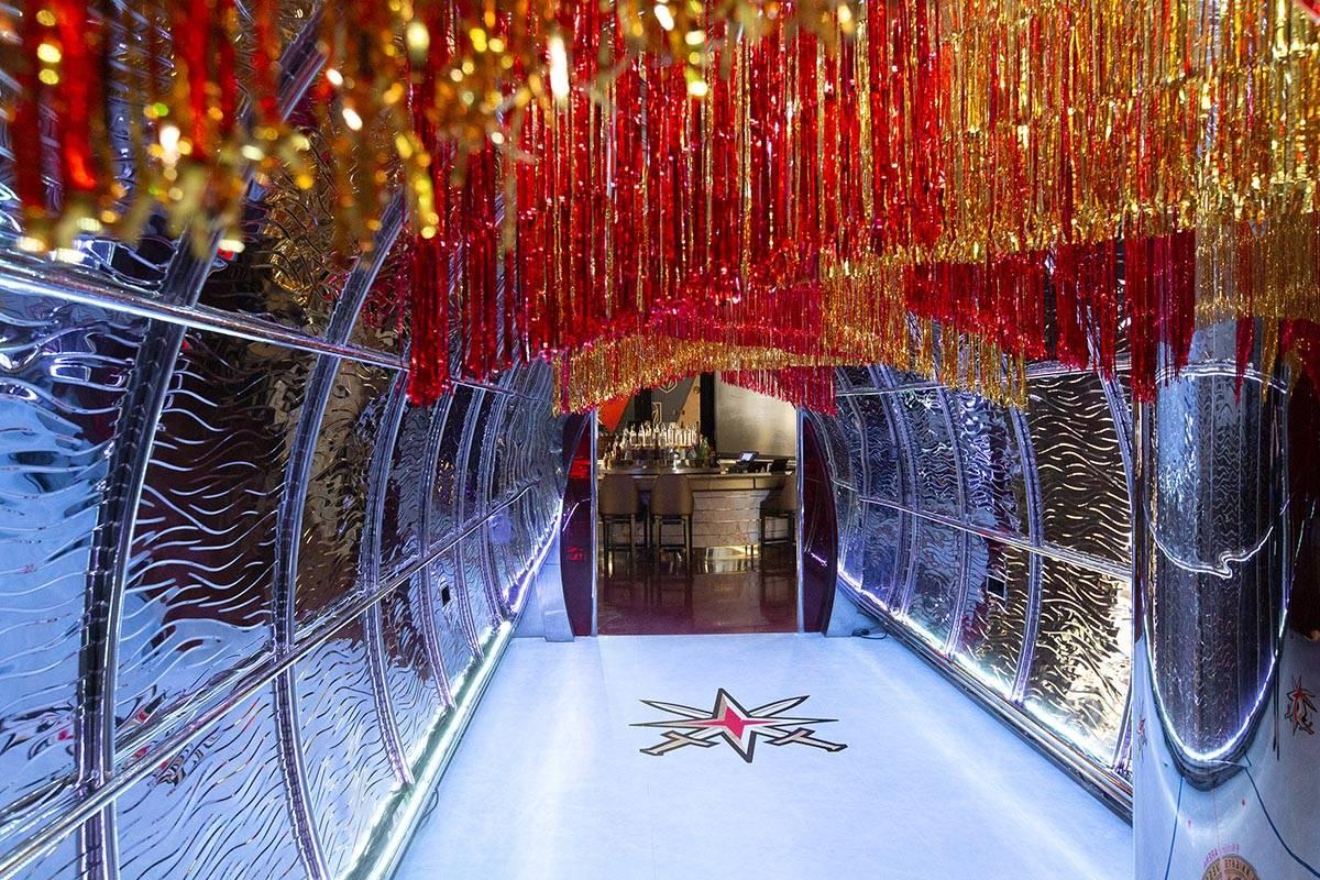 El popup temático de los Golden Knights en Crimson Lounge de Red Rock Casino el jueves, 6 de m ...