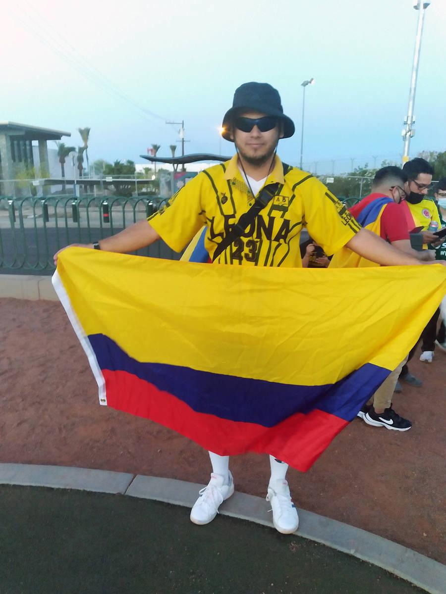 """Robison Jiménez, manifestante colombiano, en el anuncio de """"Welcome to Fabulous Las Vegas"""" ..."""