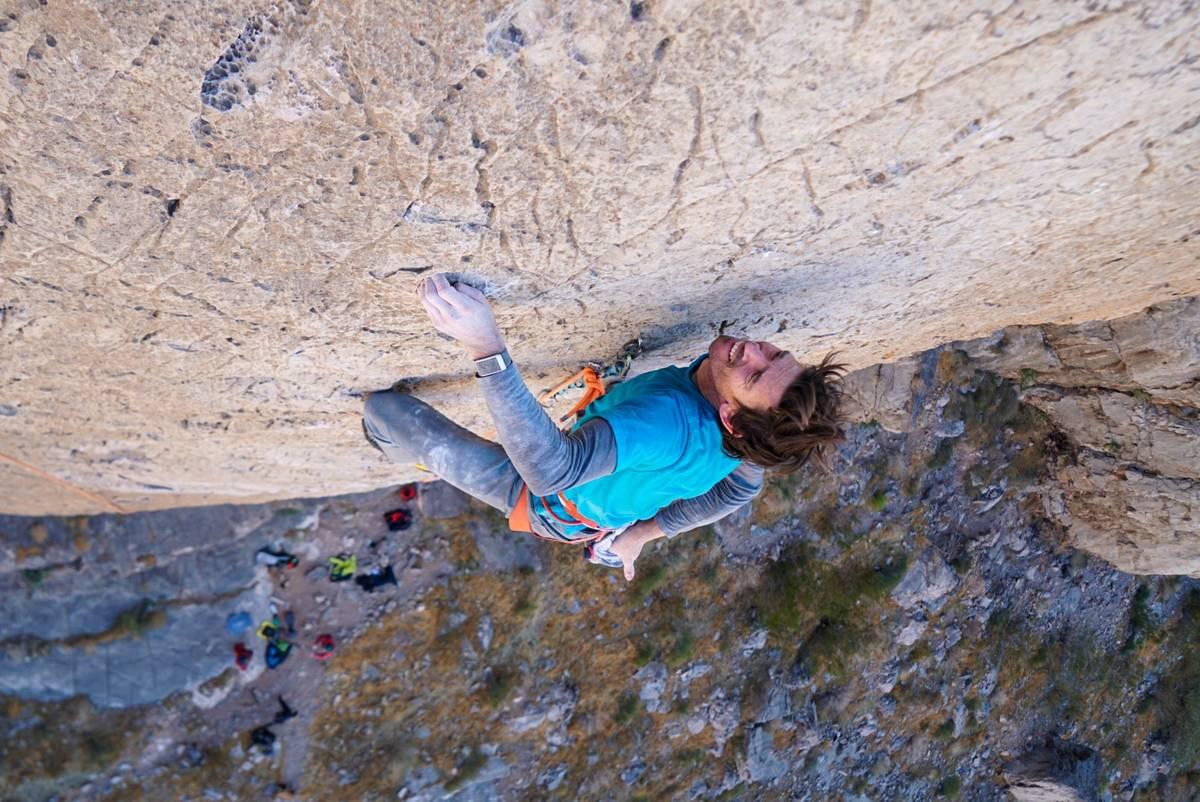 Adrian Ballinger escala The Fall of Man en Virgin River Gorge. (Emily Harrington)