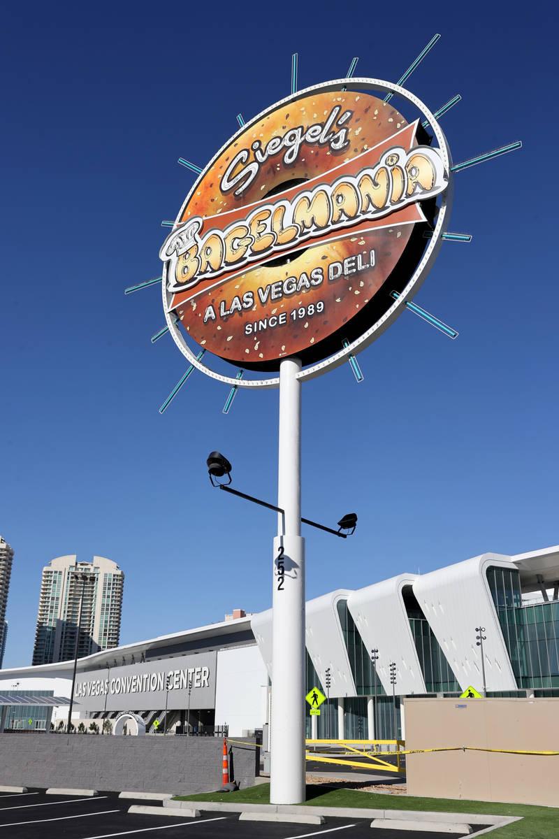 Siegel's Bagelmania en Convention Center Drive en Las Vegas el lunes, 24 de mayo de 2021. La ti ...
