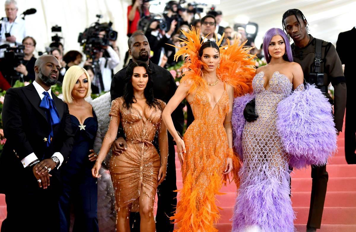 Corey Gamble, de izquierda a derecha, Kris Jenner, Kim Kardashian, Kendall Jenner, Kylie Jenner ...