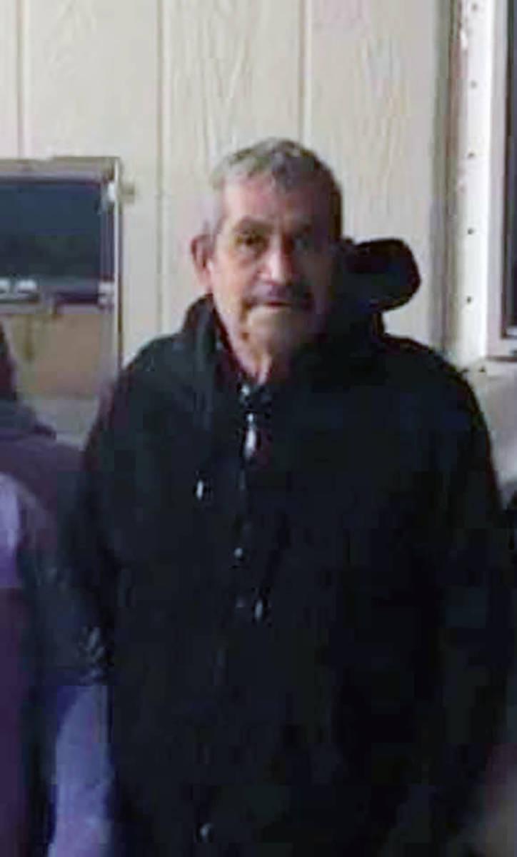 Porfirio Robledo González falleció cuando la camioneta en que se dirigía al trabajo con su h ...