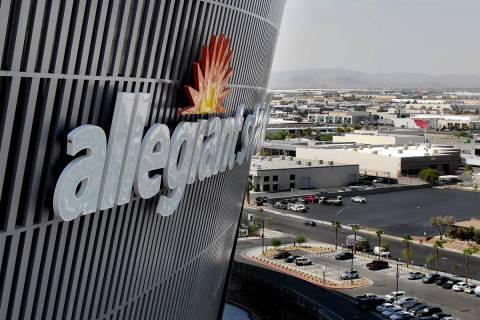 Vista aérea del Allegiant Stadium y del Strip de Las Vegas el miércoles, 26 de agosto de 2020 ...