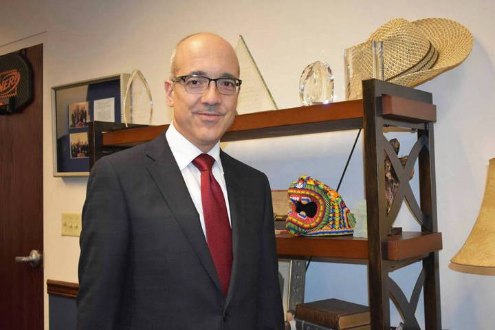 Fotografía de archivo del senador Moisés Denis durante una reunión con El Tiempo. Lunes 18 d ...