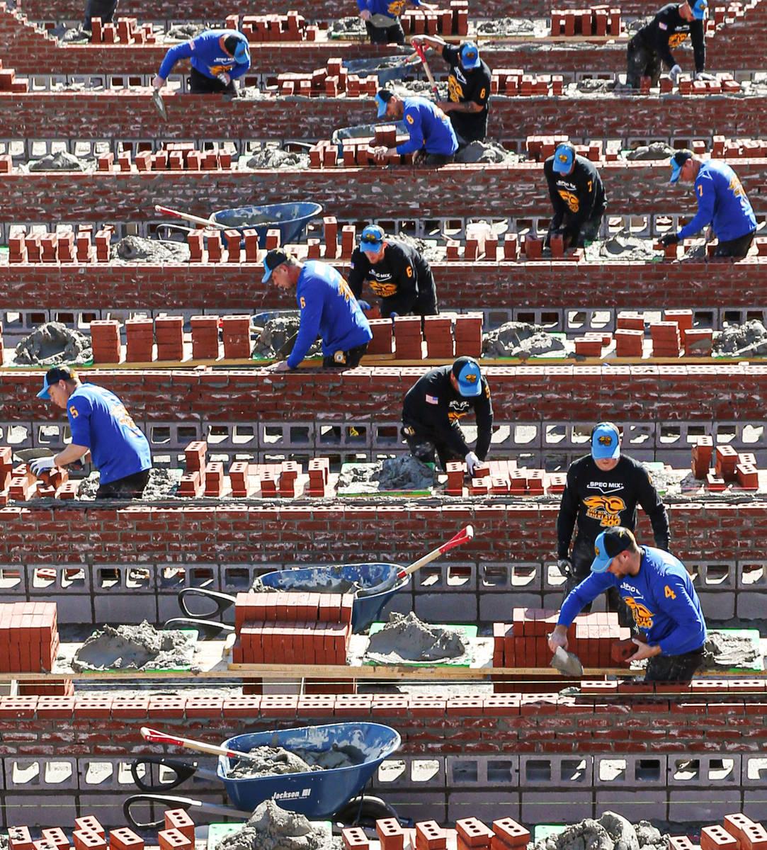 Competencia Spec Mix Bricklayer 500 de 2020 en World of Concrete el viernes, 25 de enero de 201 ...