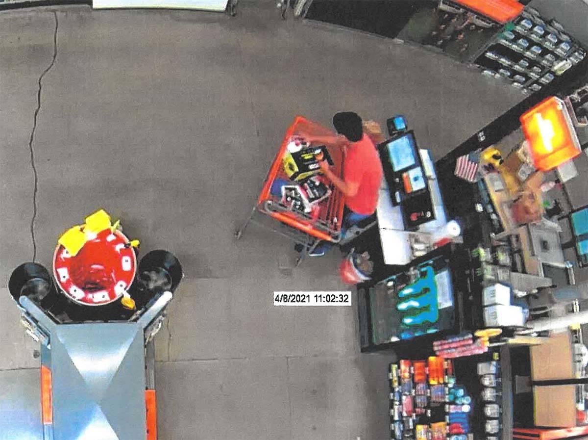Aaron Guerrero aparece en un video de vigilancia en una tienda Home Depot de Las Vegas. (Tribun ...