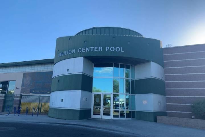 Pavilion Center Pool en Summerlin. (Las Vegas Review-Journal)
